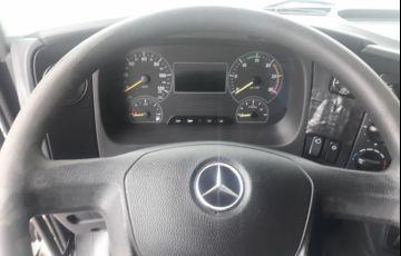 Mercedes-Benz Atego 2426 (6X2) - Foto #6