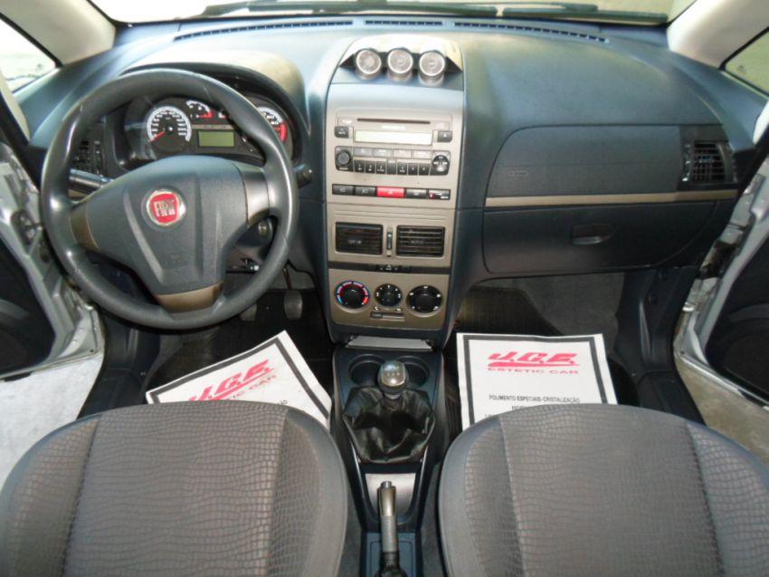 Fiat idea adventure 1 8 16v e torq 2011 2012 sal o do for Fiat idea adventure modelo 2011