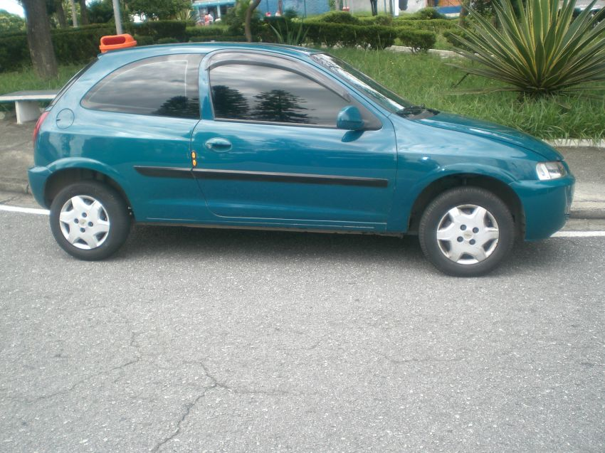 Chevrolet Celta 1.0 VHC - Foto #2