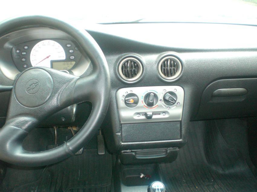 Chevrolet Celta 1.0 VHC - Foto #6