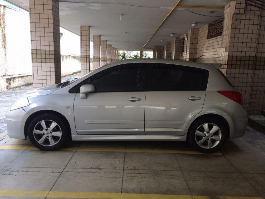Nissan Tiida SL 1.8 (flex) (aut) - Foto #1