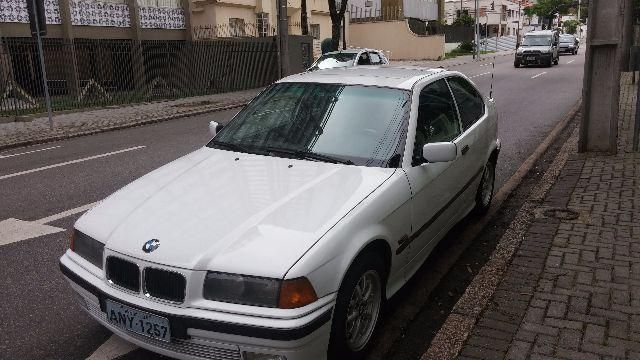 BMW 318tia Compact 1.9 16V - Foto #1