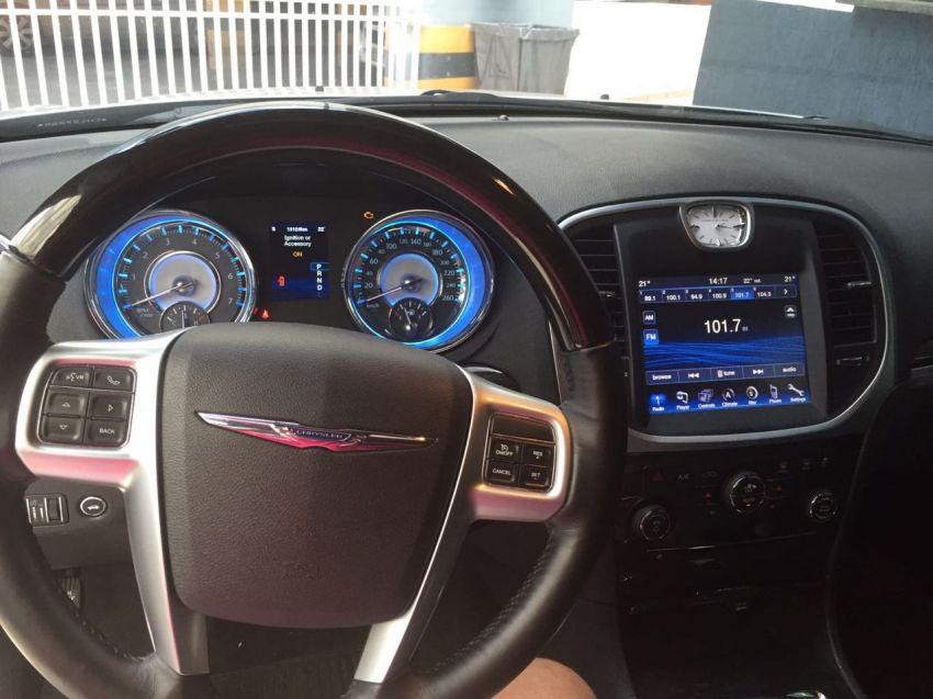 Chrysler 300C 3.6 V6 (Aut) - Foto #2