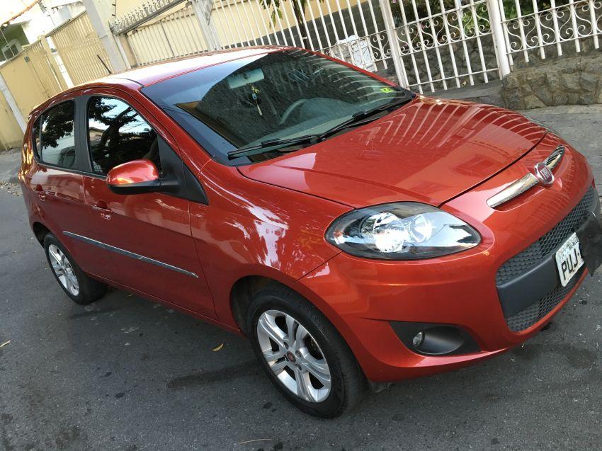 Fiat Palio Attractive 1 4 Evo  Flex  2014  2014