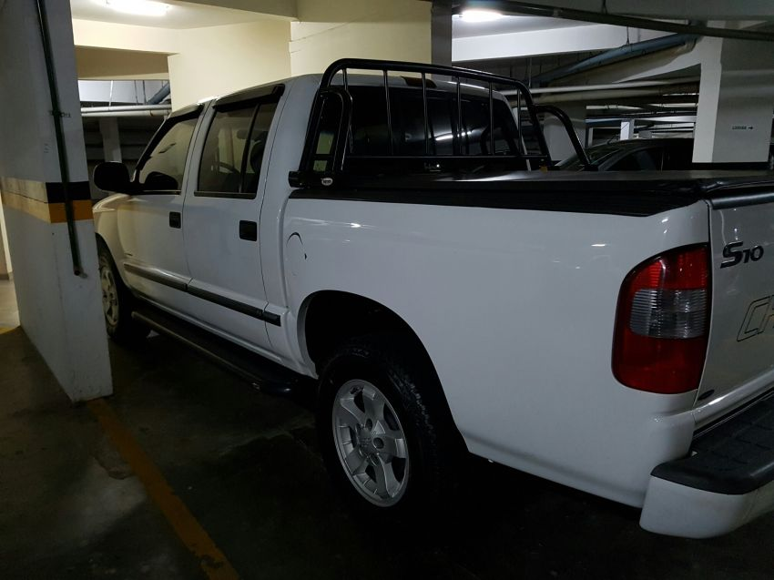 Chevrolet S10 Colina 4x2 2.8 (Cab Dupla) - Foto #4