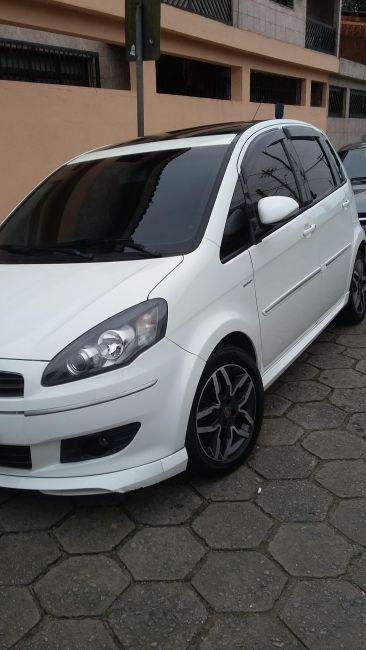 Fiat Idea Sporting 1.8 16V E.TorQ Dualogic - Foto #4