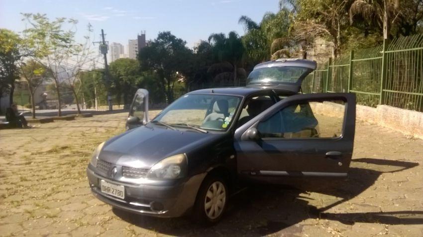 Renault Clio Hatch. Authentique 1.0 8V - Foto #3