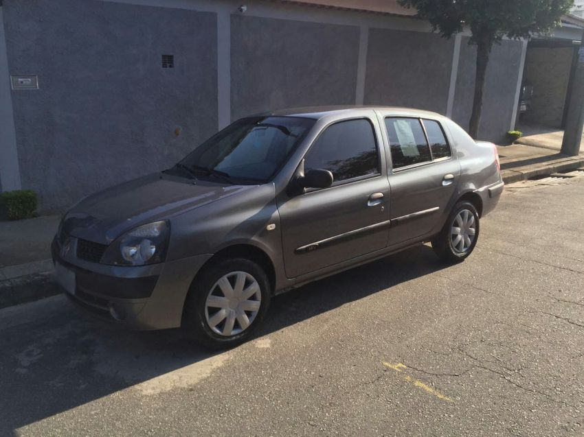 Renault Clio Sedan Authentique 1.0 16V - Foto #3