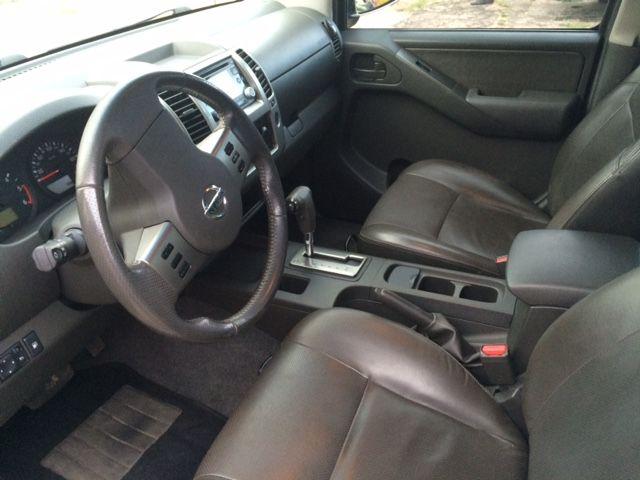Nissan Frontier LE 4x4 2.5 16V (cab. dupla) (aut) - Foto #5