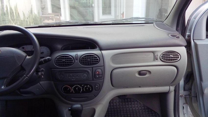 Renault Scénic Privilége 2.0 16V (aut) - Foto #6