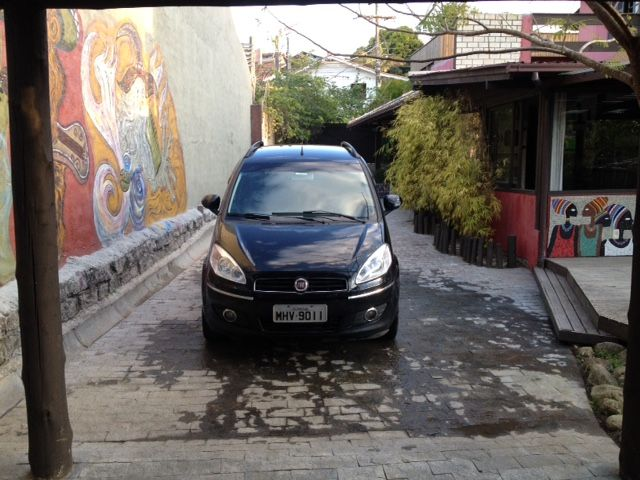 Fiat Idea Essence 1.6 16V E.TorQ - Foto #4