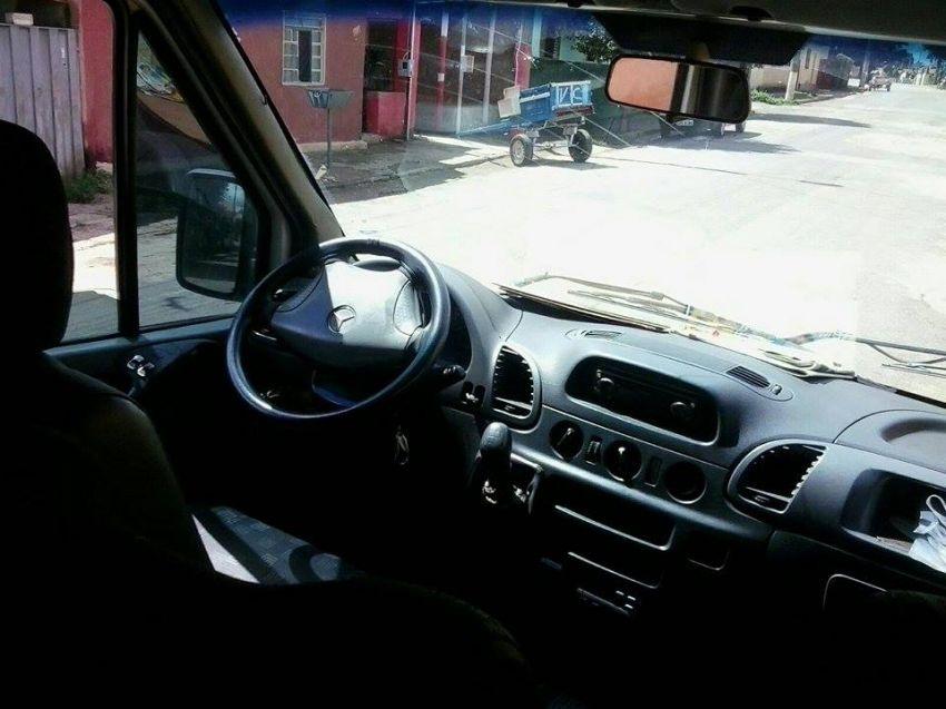 Mercedes-Benz Sprinter 413 CDI Van Luxo 20 lugares - Foto #4