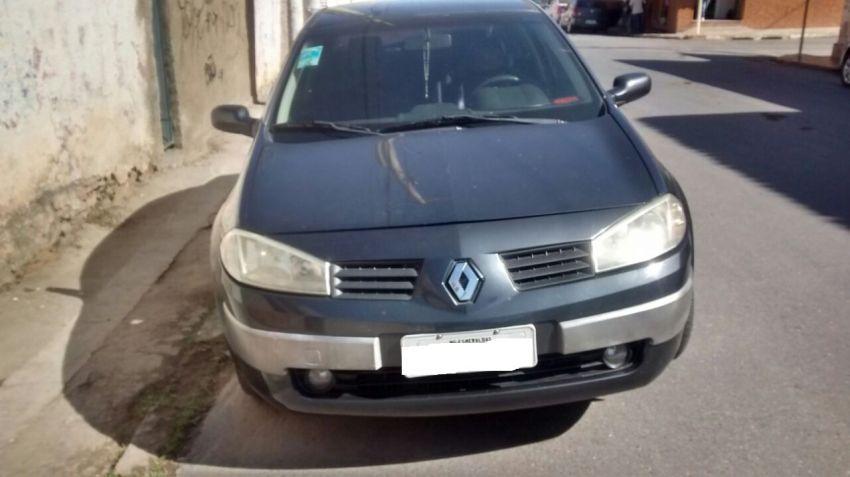 Renault Mégane Sedan Dynamique 2.0 16V - Foto #2