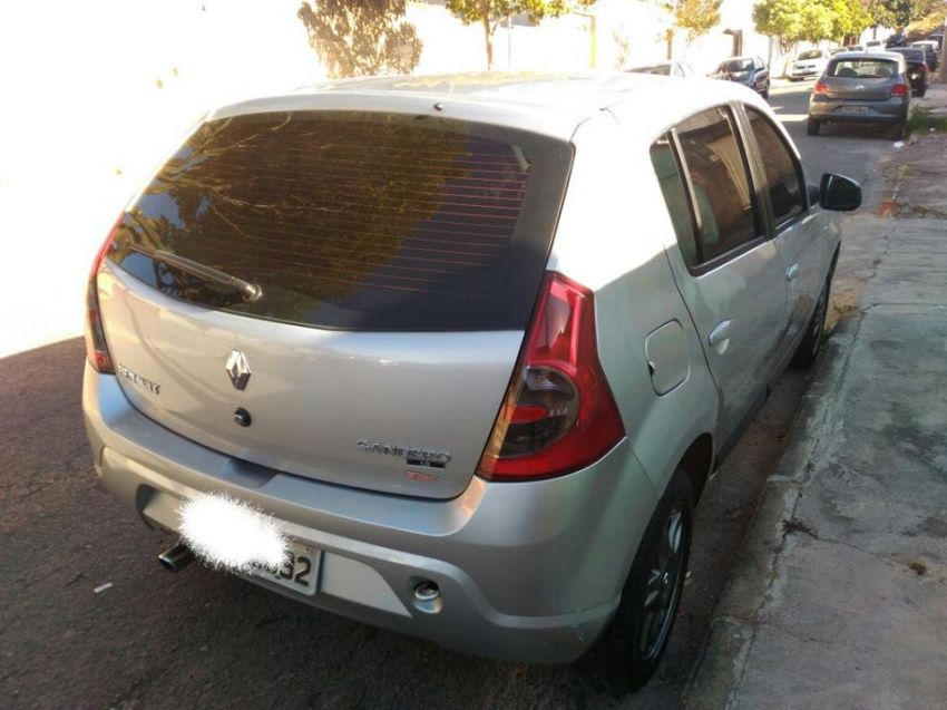 Renault Sandero Vibe 1.6 8V Hi-Torque (flex) - Foto #2