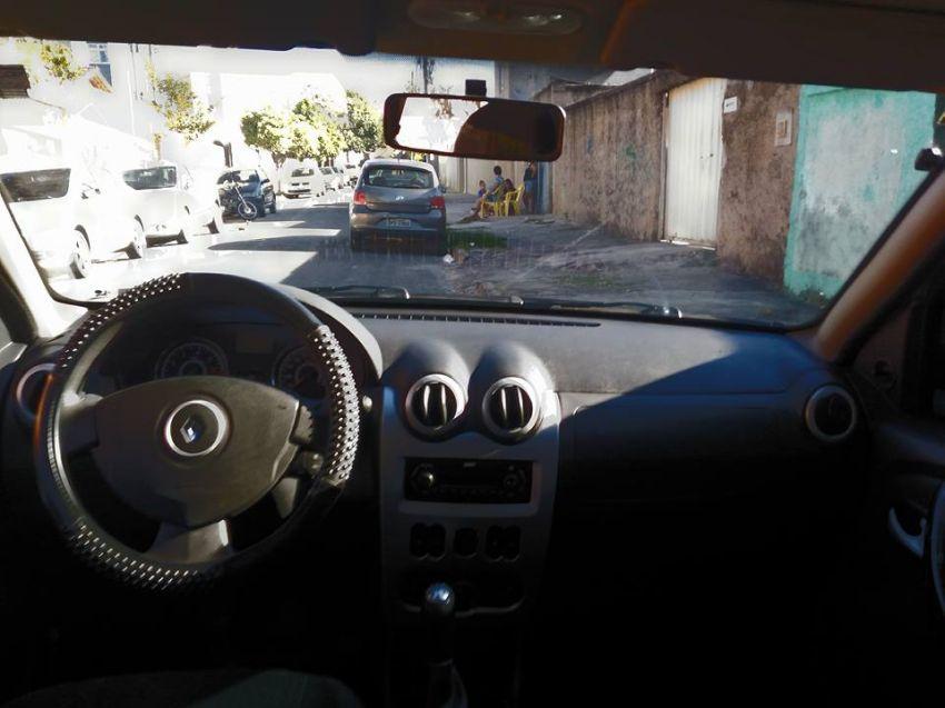 Renault Sandero Vibe 1.6 8V Hi-Torque (flex) - Foto #9