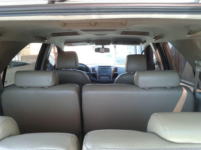 Toyota Hilux SW4 3.0 TDI 4x4 SRV 7L (Aut) - Foto #7