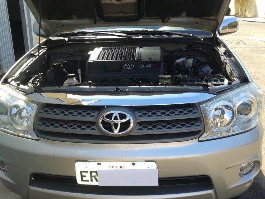 Toyota Hilux SW4 3.0 TDI 4x4 SRV 7L (Aut) - Foto #10