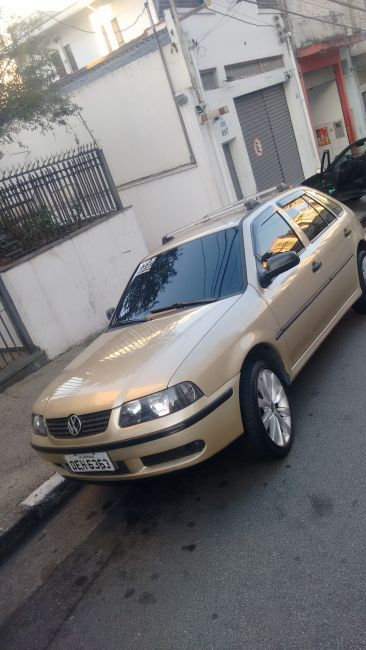 Volkswagen Gol 16V 1.0 MI - Foto #4