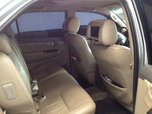 Toyota Hilux SW4 3.0 TDI 4x4 SRV 5L (Aut) - Foto #2