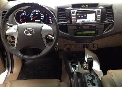 Toyota Hilux SW4 3.0 TDI 4x4 SRV 5L (Aut) - Foto #8
