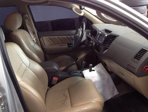 Toyota Hilux SW4 3.0 TDI 4x4 SRV 5L (Aut) - Foto #9