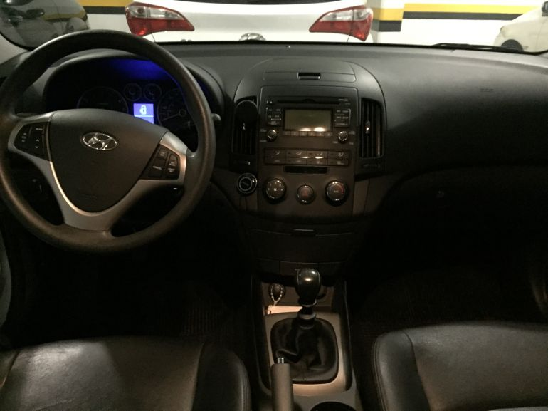 Hyundai i30 GLS 2.0 16V - Foto #2