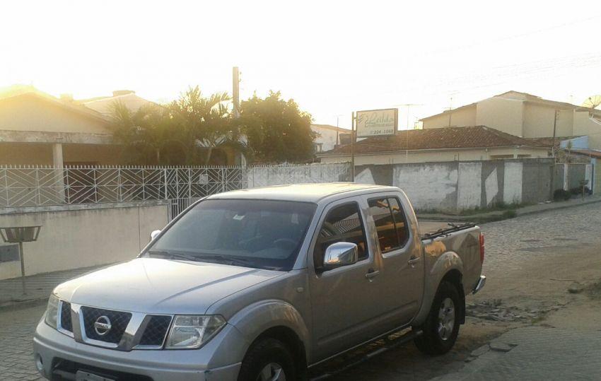 Nissan Frontier SEL 4x4 2.5 16V (cab. dupla) - Foto #5