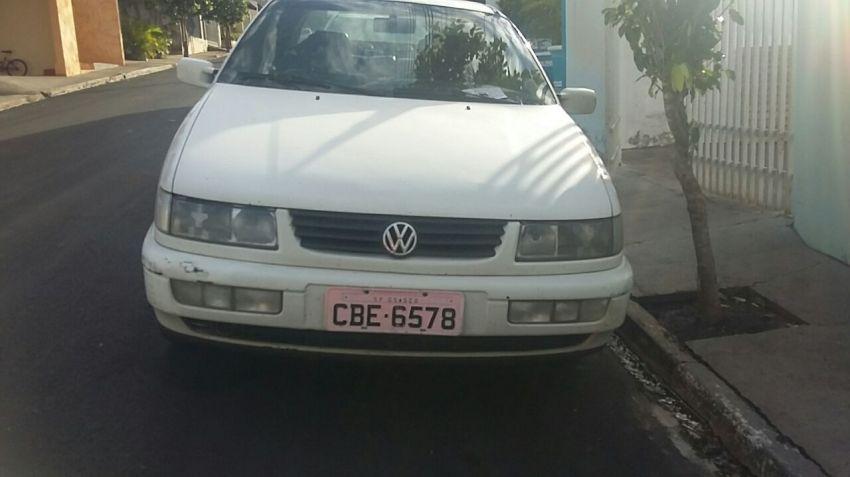 Volkswagen Passat 1.6 - Foto #5