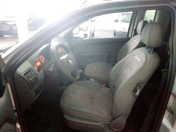 Fiat Strada Adventure 1.8 8V (Cab Estendida) - Foto #2
