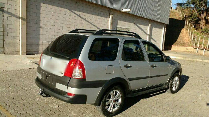 Fiat Palio Weekend HLX 1.8 8V (Flex) - Foto #4