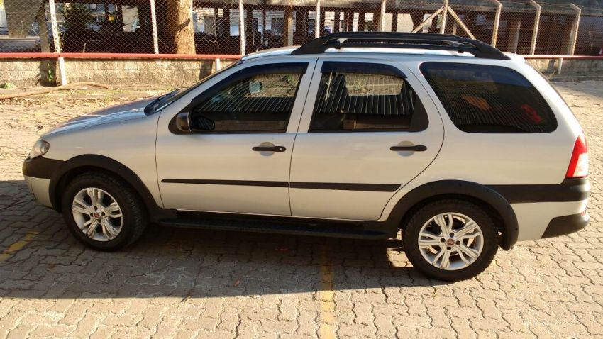 Fiat Palio Weekend HLX 1.8 8V (Flex) - Foto #5
