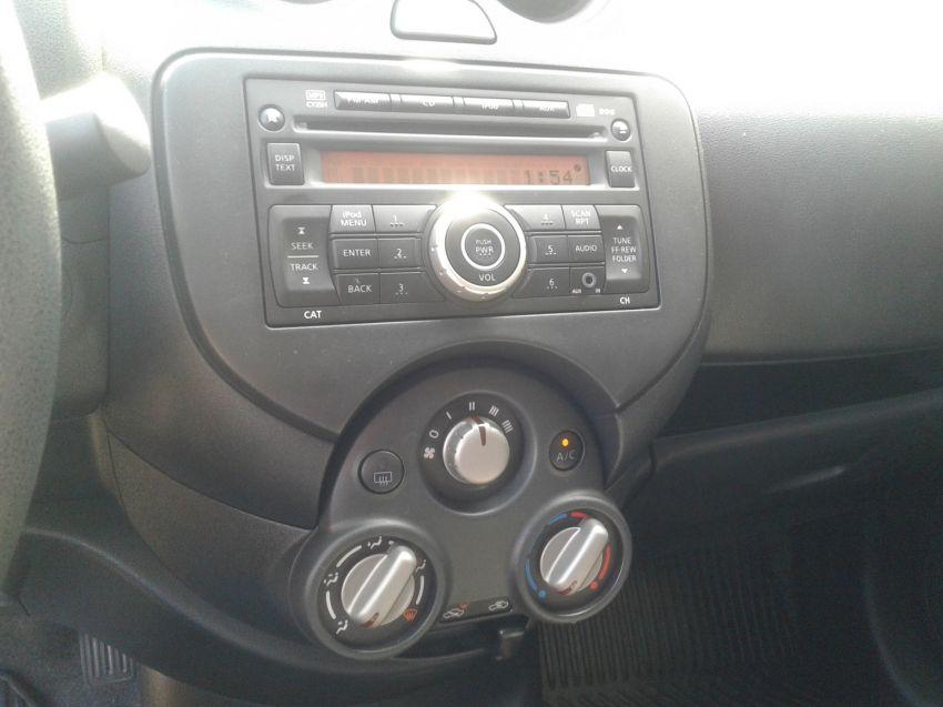 Nissan Versa 1.6 16V SL (Flex) - Foto #9