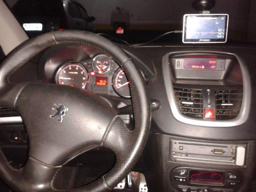 Peugeot 207 Hatch XS 1.6 16V (flex) (aut) - Foto #5