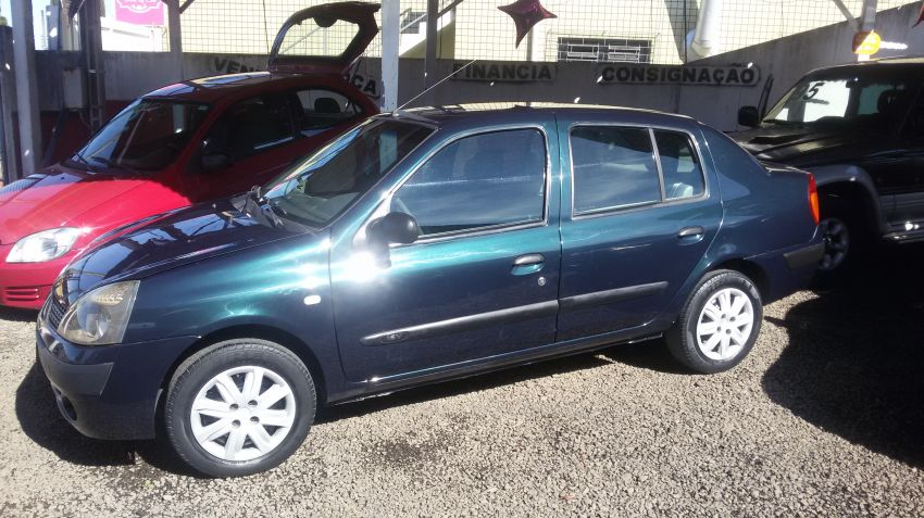 Renault Clio Authentique 1.0 16V (Flex) 4p - Foto #2