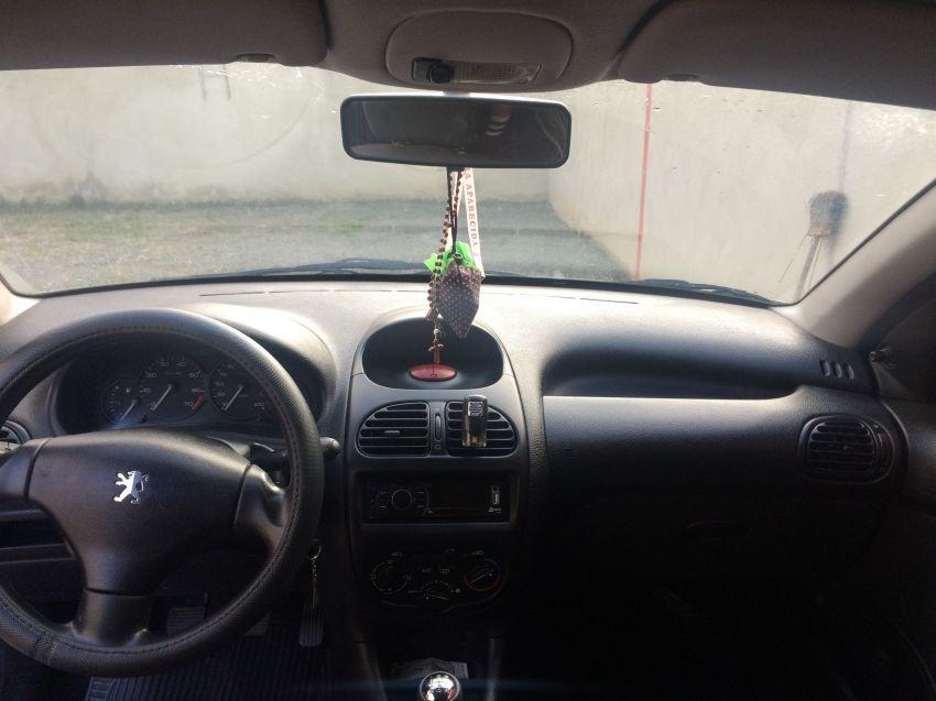 Peugeot 206 Hatch. Presence 1.6 16V - Foto #6