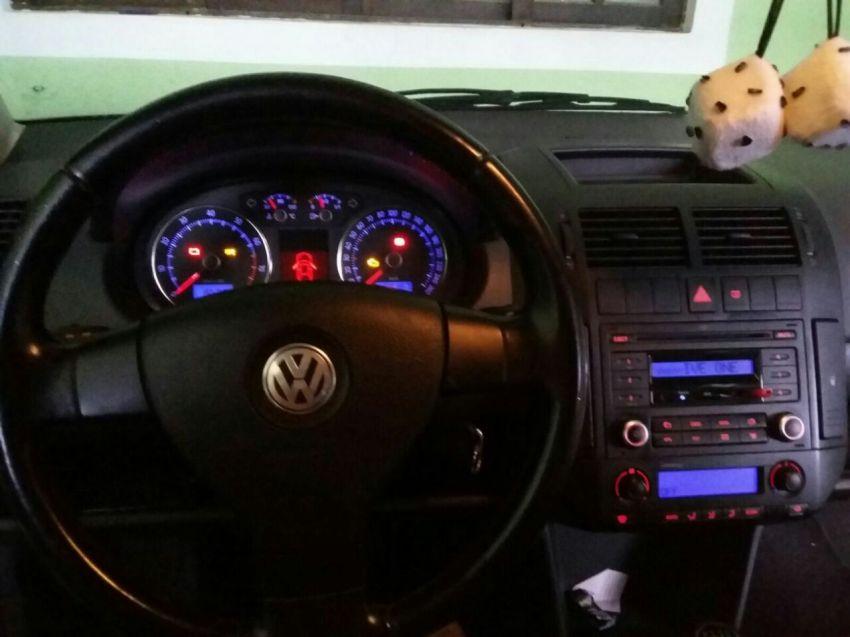 Volkswagen Polo Sedan Comfortline 2.0 (Flex) - Foto #5