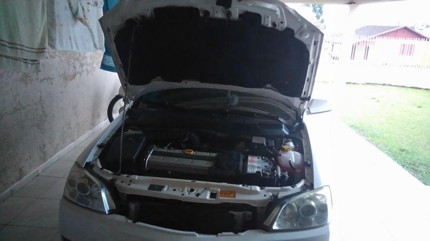 Chevrolet Astra Hatch GSi 2.0 16V - Foto #8