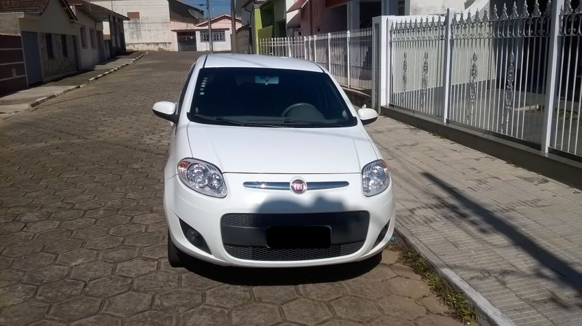Fiat Palio Attractive 1.0 8V (Flex) - Foto #6