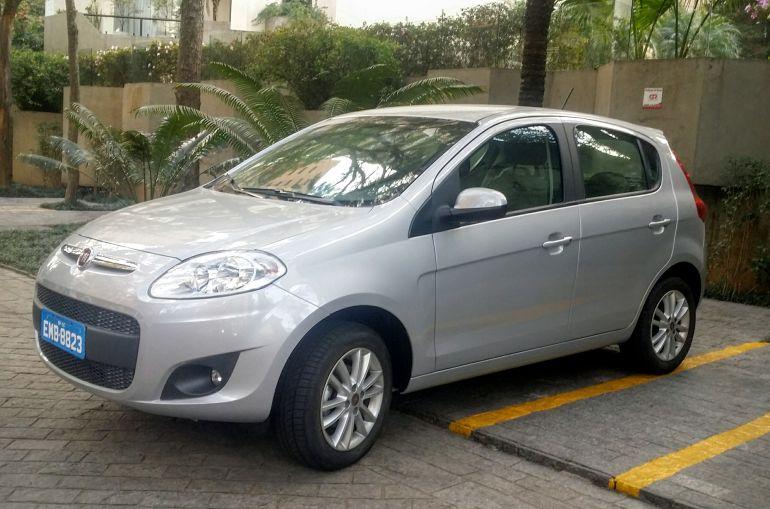 Fiat Palio Essence 1.6 16V (Flex) - Foto #5