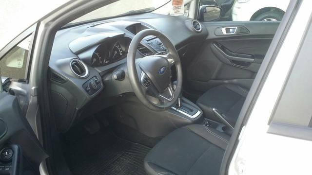Ford New Fiesta 1.6 SE PowerShift - Foto #5