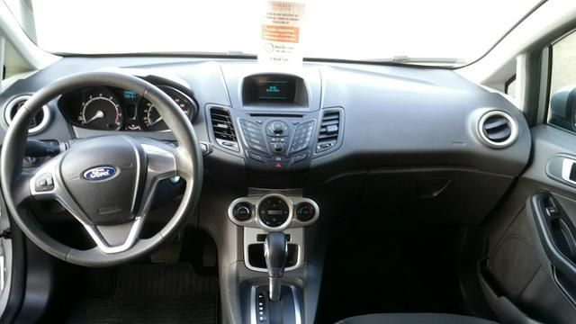 Ford New Fiesta 1.6 SE PowerShift - Foto #6