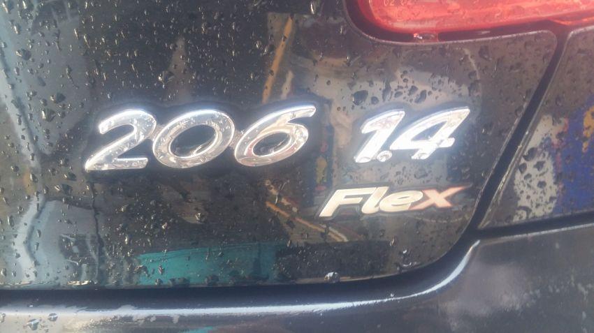 Peugeot 206 Hatch. Sensation 1.4 8V (flex) - Foto #3