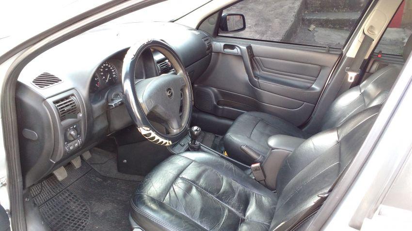 Chevrolet Astra Sedan GL Milenium 1.8 MPFi - Foto #2