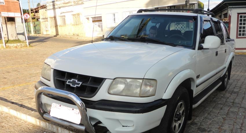 Chevrolet S10 Luxe 4x4 2.5 (Cab Dupla) - Foto #2