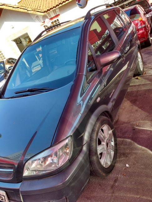 Chevrolet Zafira Elegance 2.0 16V - Foto #3