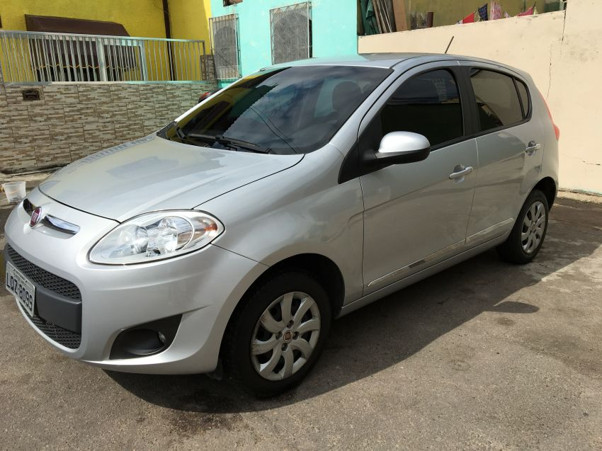 Fiat Palio Attractive 1.4 8V (Flex) - Foto #4