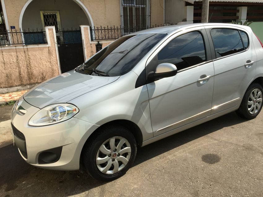 Fiat Palio Attractive 1.4 8V (Flex) - Foto #10