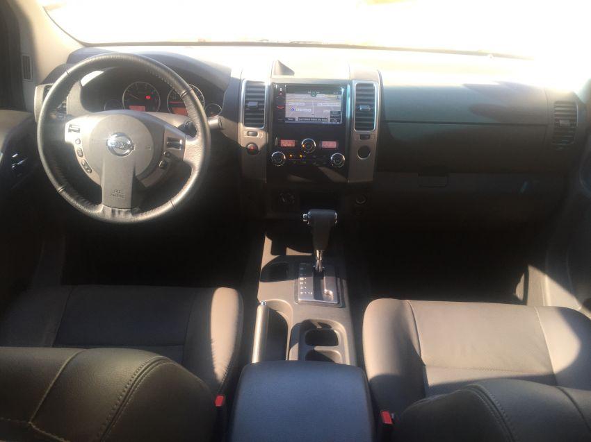 Nissan Frontier 2.5 TD CD 4x4 SL (Aut) - Foto #8