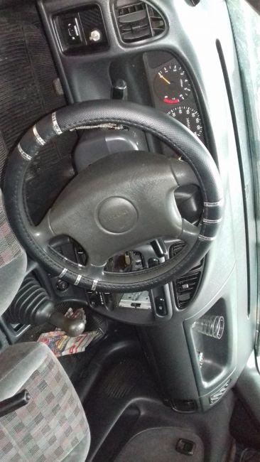 Suzuki Baleno Sedan GLX 1.6 16V - Foto #2