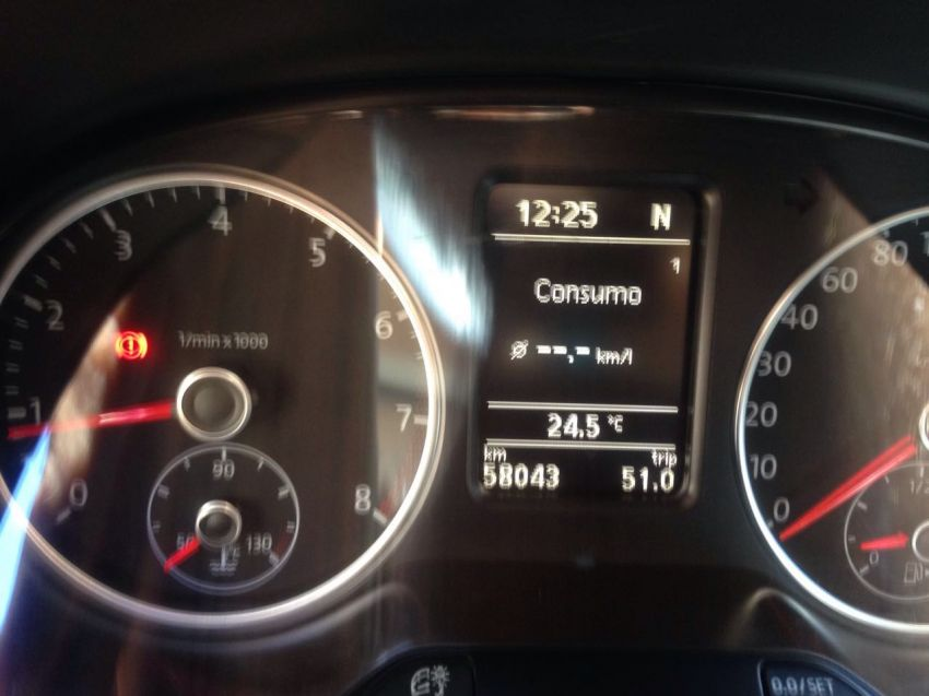Volkswagen Fox 1.6 8V I-Motion (Flex) - Foto #2